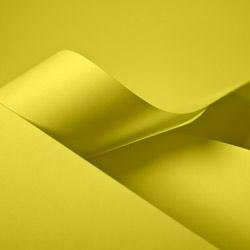 Papiertragetaschen und Tüten, gelb