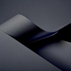 Papiertragetaschen und Tüten, schwarz