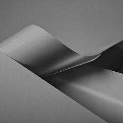 Papiertragetaschen und Tüten, silberfarbig